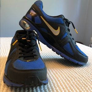 Like New Nike Limited Edition LiveStrong Air Max
